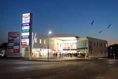 V-Center bei Nacht
